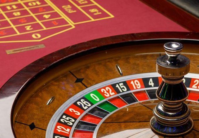 Сетью собственных казино широкая карты онлайн играть фильм