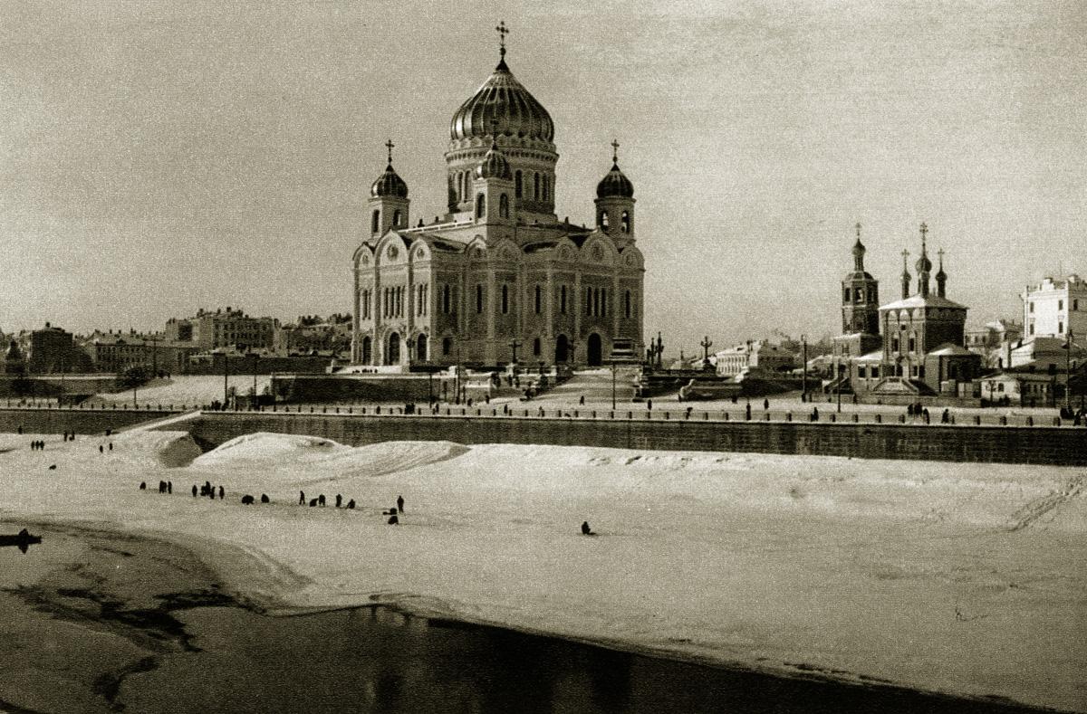 http://infoglaz.ru/wp-content/uploads/retro-fotografii-Moskvy_27.jpg