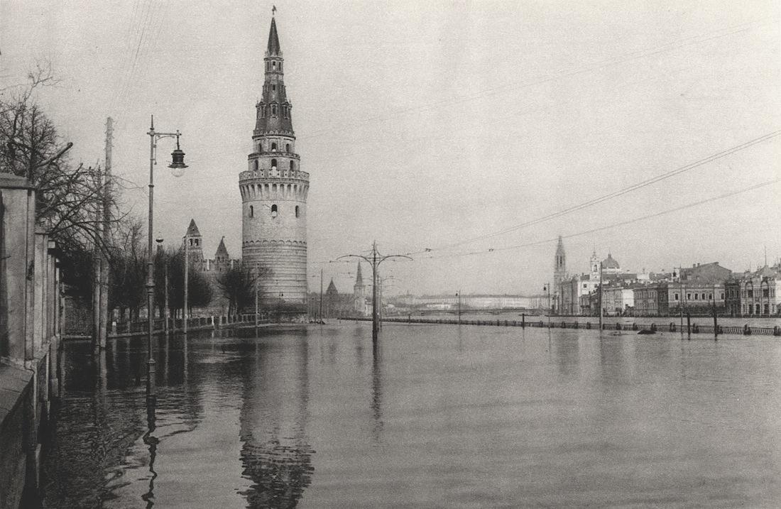 http://infoglaz.ru/wp-content/uploads/retro-fotografii-Moskvy_32.jpg