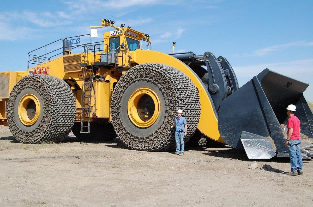 ALUMNI-MGIMO / PUBLIC BLOG / Самый большой в мире фронтальный погрузчик