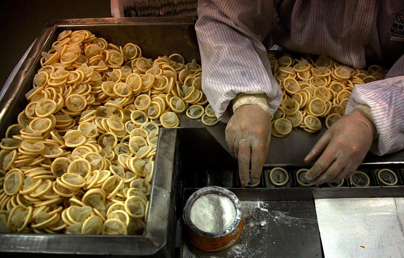 Фабрика по производству презервативов