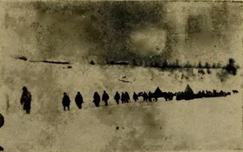 Белые в походе. Фото из брошюры Вишневского.