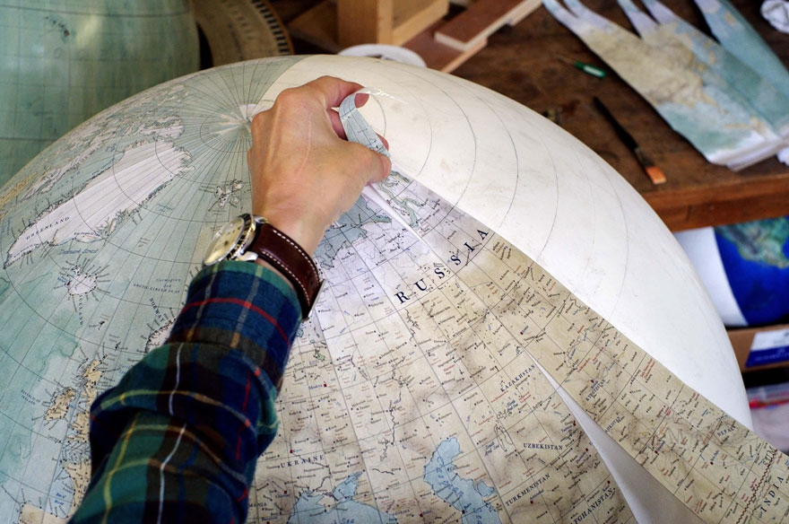 Глобусы ручной работы – дело тонкое, кропотливое, древнее и уникальное