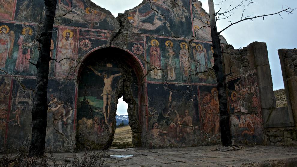 Декорации церкви для фильма «Выживший»