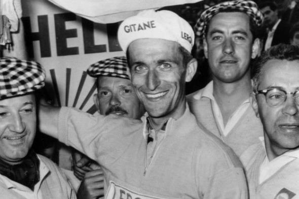 Амфетамины с коньяком — таким был состав средства, которым подбадривал себя британский велосипедист Томми Симпсон