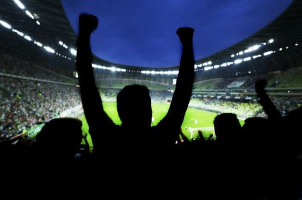 Главный вопрос: готовы ли болельщики выключить телевизор и перестать ходить на стадионы?