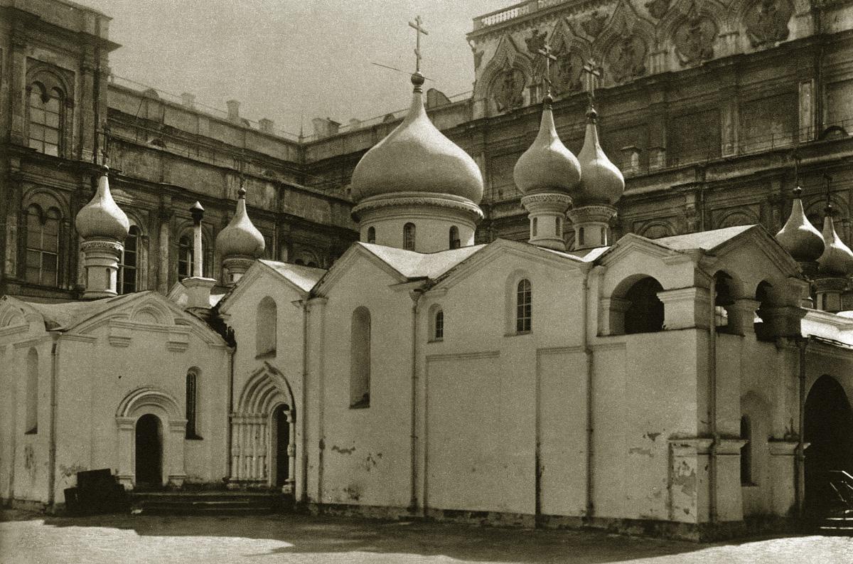http://infoglaz.ru/wp-content/uploads/retro-fotografii-Moskvy_13.jpg