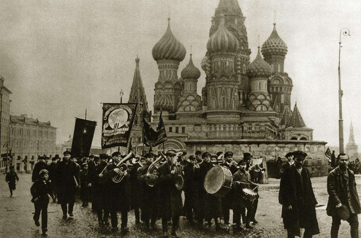 http://infoglaz.ru/wp-content/uploads/retro-fotografii-Moskvy_14.jpg