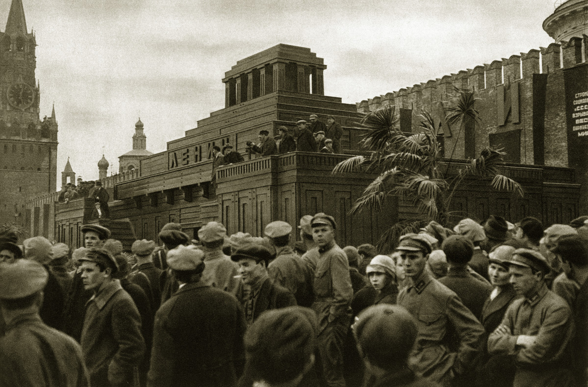 http://infoglaz.ru/wp-content/uploads/retro-fotografii-Moskvy_15.jpg