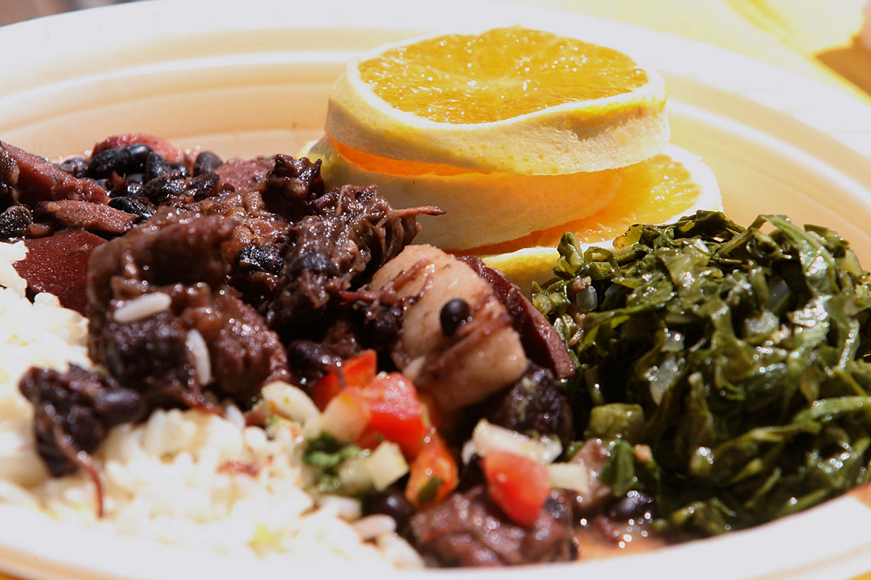 Бразильское блюдо с соусом барбекю камины электрические порталы обрамления очаг