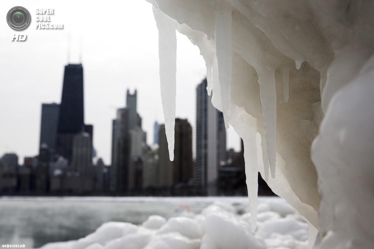 США. Чикаго, Иллинойс. 7 января. Последствия рекордных морозов. (AP Photo/Andrew A. Nelles)